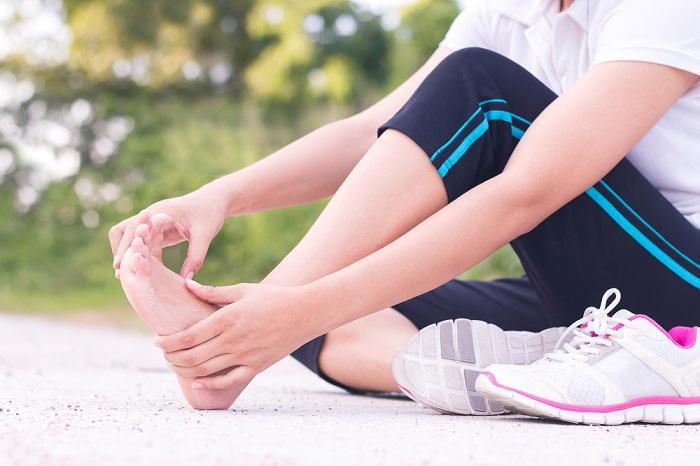 درمان افتادگی مچ پا با بریس